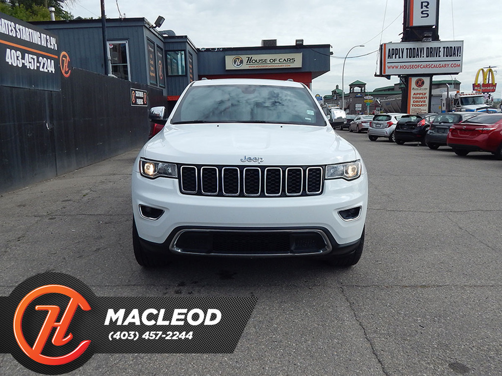 Pre-Owned 2018 Jeep Grand Cherokee Limited 4x4 LEATHER SUNROOF BACKUP CAM