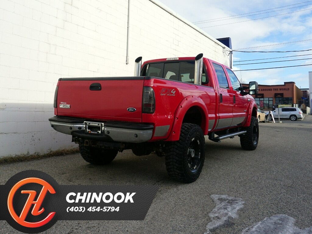 Pre-Owned 2006 Ford F-350 Crew Cab 172 4WD Lariat