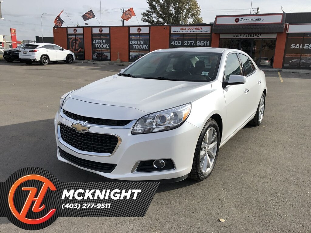 Pre-Owned 2016 Chevrolet Malibu Leather / Sunroof