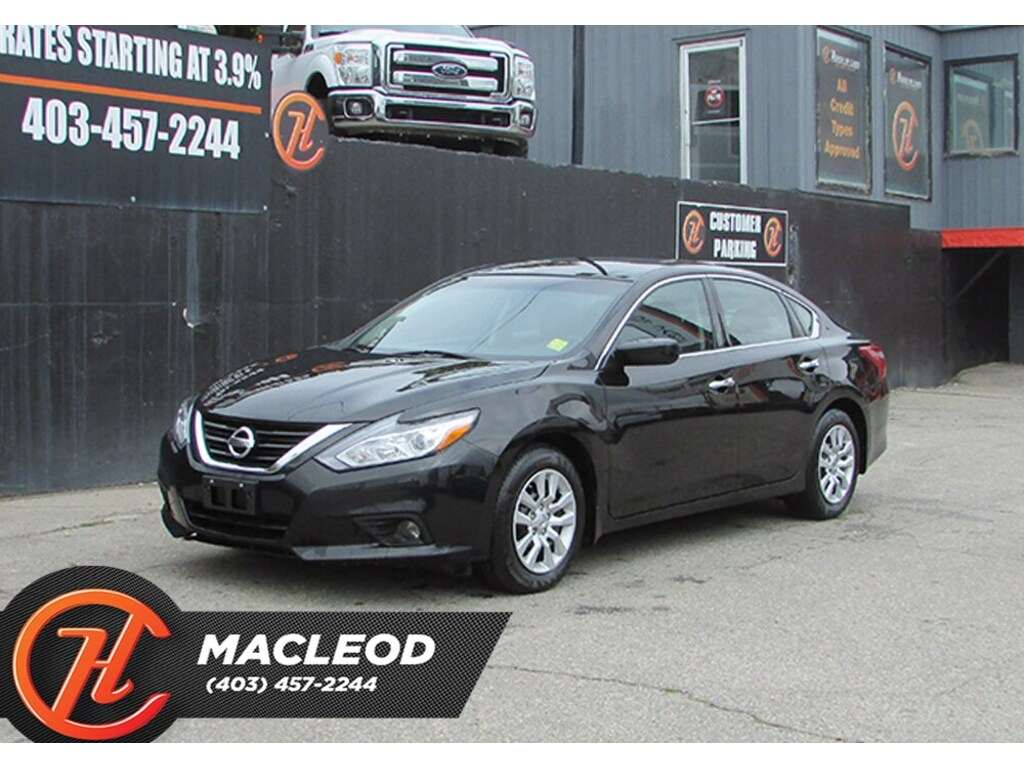 Pre-Owned 2018 Nissan Altima 2.5 S,Heated Seats Backup Cam Bluetooth FWD Sedan