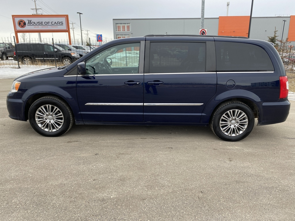 Pre-Owned 2014 Chrysler Town & Country 4dr Wgn Touring w-Leather