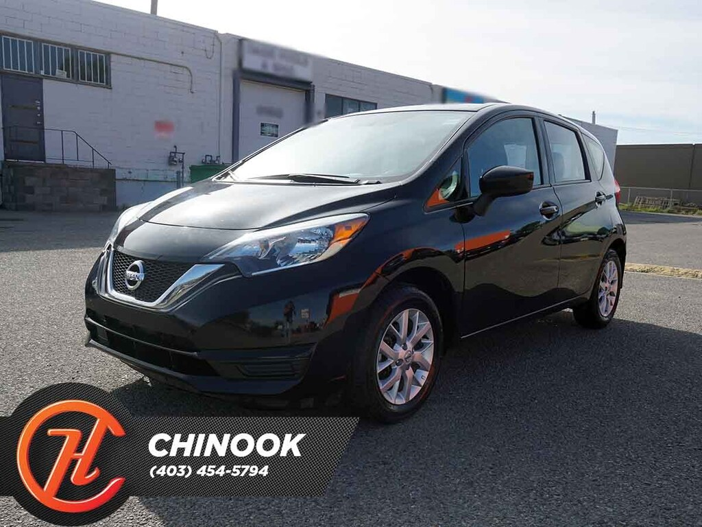 Pre-Owned 2018 Nissan Versa Note SV w/ Bluetooth,Backup Cam,Heated Seats