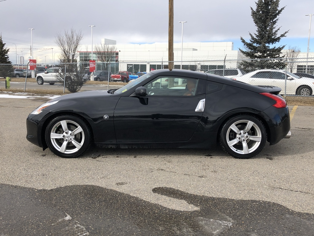 Pre-Owned 2010 Nissan 370Z 2dr Cpe Manual Touring