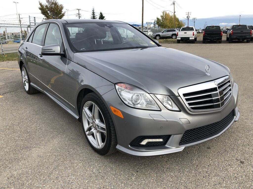 Pre-Owned 2011 Mercedes-Benz E-Class E550 4MATIC / Navi / Back up cam