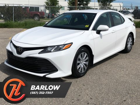 Pre-Owned 2019 Toyota Camry LE Auto / Heated seats / Back up cam