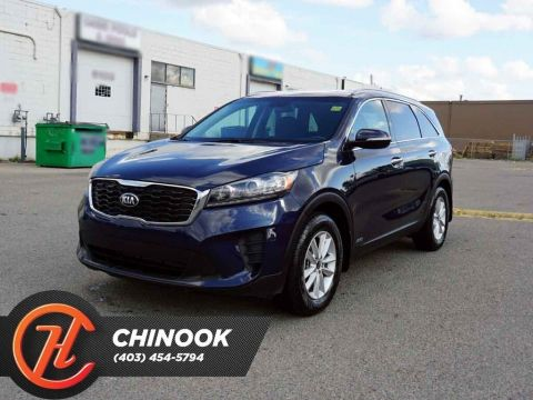 Pre-Owned 2019 Kia Sorento LX w/ Heated Seats,Bluetooth,Backup Cam